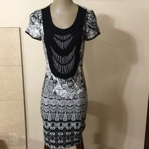 Badgley Mischka Crochet Beaded Dress 4